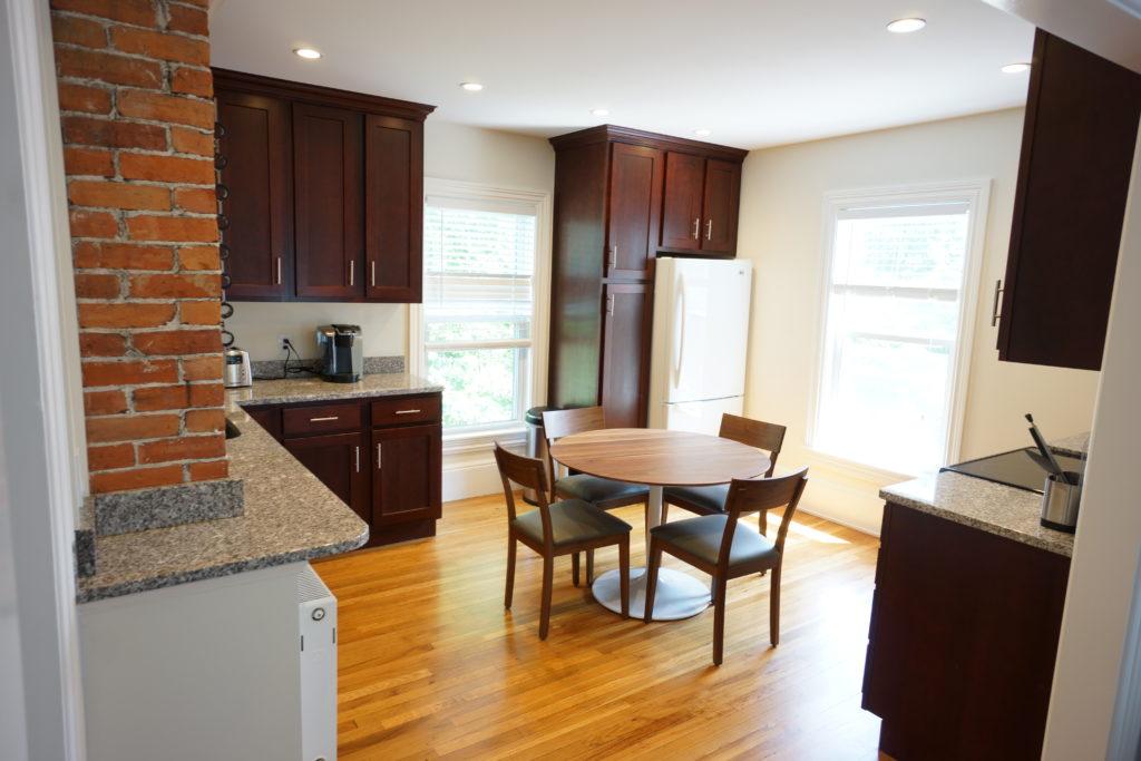 Forest Avenue Suites Suite 2 Anm Properties